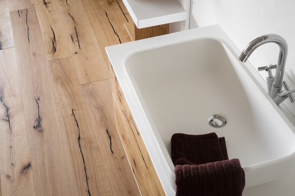 A perfect combination of a different products area by DeZotti Design. #WoodFloor made whit natural roughest Oak whit Black filler and #washbasin from Frame collection finish like the wood floor.  #HandMadeInItaly #DeZottiDesign  #modernbathroom #bathroom #furniture #woodenfloor #oak #madeinItaly  #wood #allwood #corian #home #homedecor #interior #design #homedesign #interiordesign #architecture #architect  #interiordesigner #interiorarchitecture #interiors #interiordecor