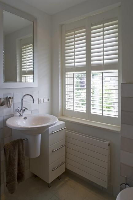 13 best Shutters - Badkamer images on Pinterest | Sunroom blinds ...