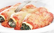 Spinazie-ricottacannelloni met verse tomaten-roomsaus