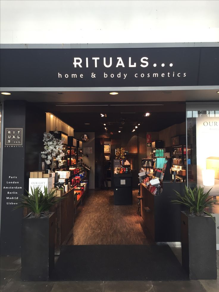 Amsterdam Amstel Station Rituals Cosmetics Store 16