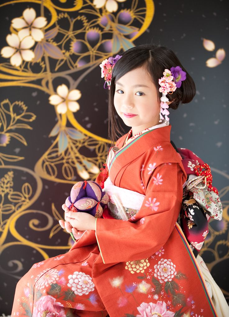 Shichi-go-san ceremony girls kimono. Really want my kids to do this someday :)