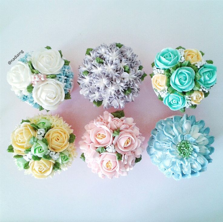 flower buttercream cupcakes