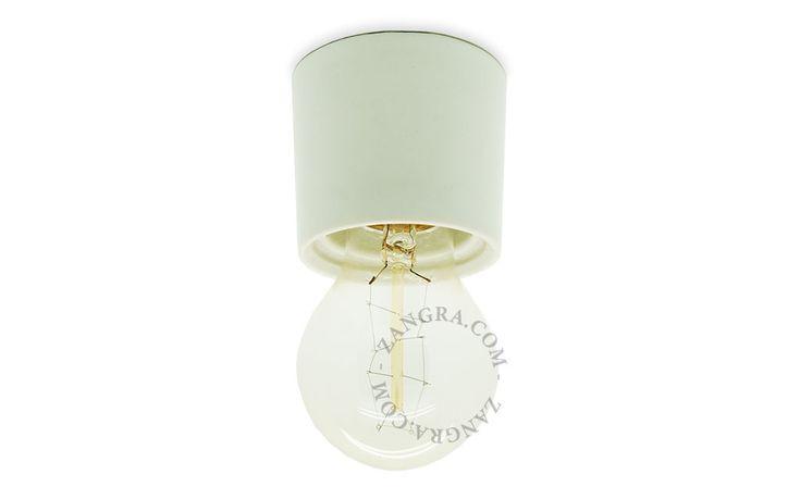 white porcelain lampholder