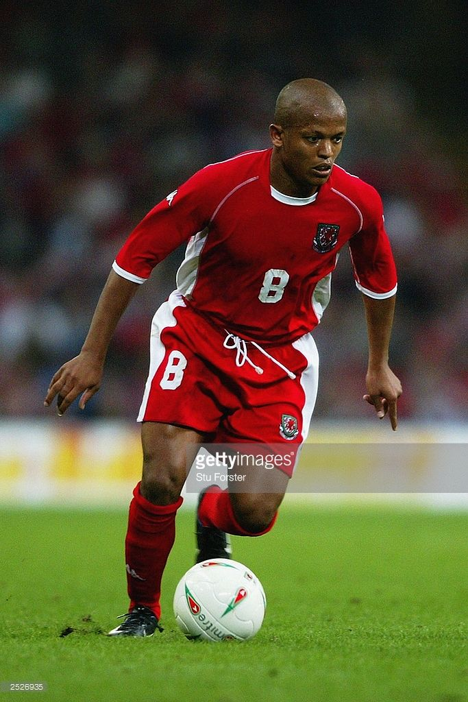 Robert Earnshaw of Wales runs with the ball during the European Championships 2004 Group 9 Qualifying match between Wales and Finland held on September 10, 2003 at The Millennium Stadium, in Cardiff, Wales. The match ended in a 1-1 draw.