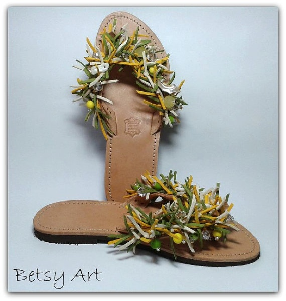 Greek leather sandalsflip flop green yellow suede by betsyarts, €48.00