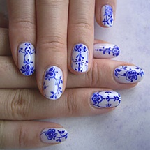 Lovee blue and white together. Wish i could do this for moms wedding!