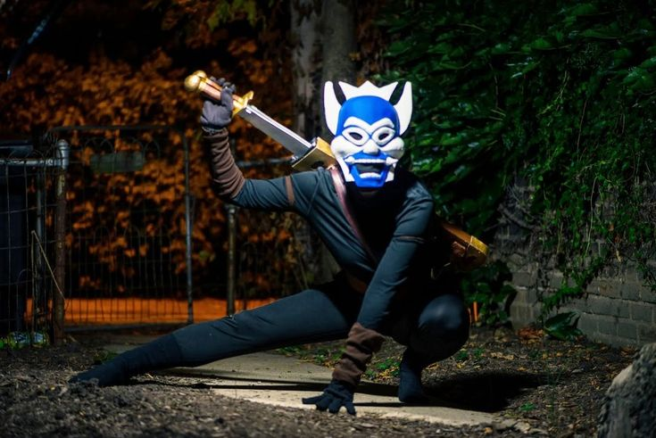 """How to make an Avatar: The Last Airbender """"Blue Spirit"""" costume"""