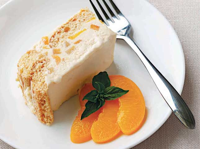 fluffy cream and peaches on a bed of ladyfingers.: Cake, Fluffy Cream ...