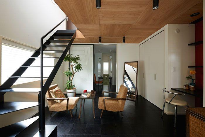 天井は板張りに 木に包まれた癒しの空間 リノベーション8事例 リビング インテリア ホテルライク 天井