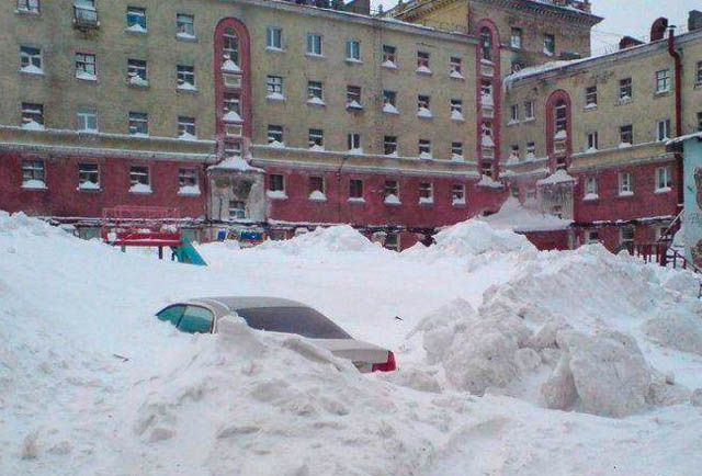 Survival In Frozen Desert -55 Degree | Life In Coldest City Norilsk Siberia Russia Check more at http://www.reckontalk.com/norilsk-russia-weather-city-images-temperature-people/