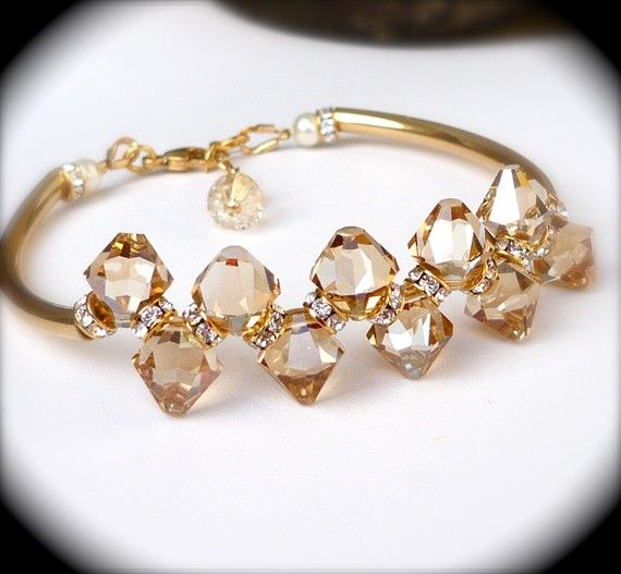 What Colors Look Best With Rose Gold Jewelry Jewelry Ideas