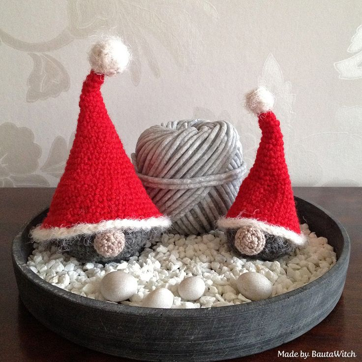 Crochet Santas made by BautaWitch  DIY - pattern (in Swedish) in my blog.