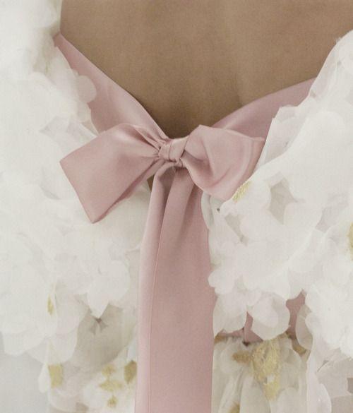 Mauve bowChanel Couture, Details, Dresses, Beautiful, Pink Ribbons, Pink Bows, Pretty, Haute Couture, Chanel Haute