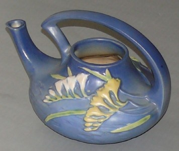 Roseville Pottery - Freesia