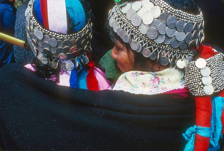 https://flic.kr/p/SXbhQP | Mapuche women in the rain, Temuco, 1989, -89 -123