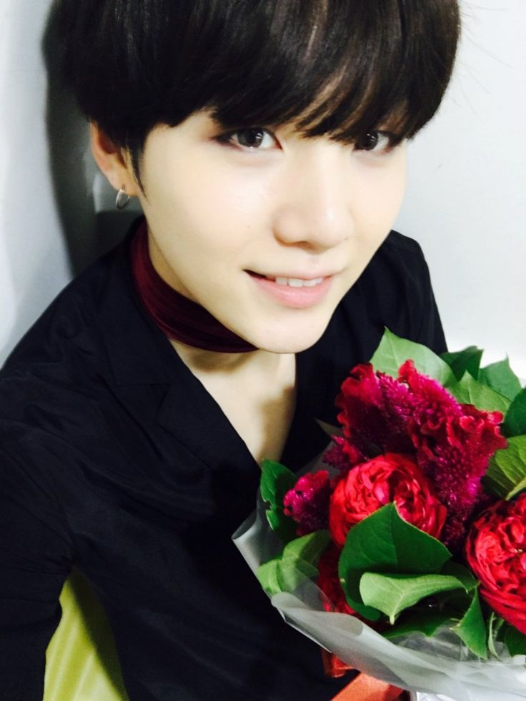 He's so pretty!  Is this really the guy who can spit pure fire as Agust D!?