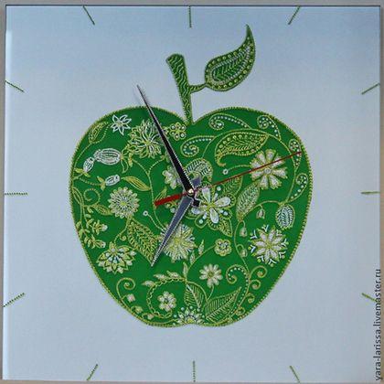 """Часы для дома ручной работы. Ярмарка Мастеров - ручная работа Часы """"Зелёное яблоко"""" интерьерные. Handmade."""