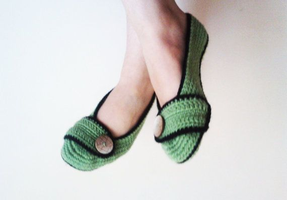 Crochet Slippers / Green slippers / Greenbooties / by Iamamother, $20.00