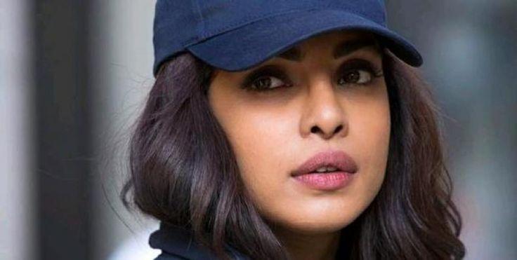 """Nih Bagian tubuh yang Paling Dibanggakan Priyanka Chopra  KONFRONTASI-Aktris Bollywood yang wajahnya malang melintang di dunia internasional Priyanka Chopra mengungkap bagian sempurna pada wajahnya yakni alis.  Aktris 34 tahun tersebut mengaku dia benar-benar menyadari dan membanggakan alisnya yang tebal tanpa cacat dengan bentuk simetris dan cenderung kembar antara alis kiri dan kanan.    """"Saya benar-benar menyadari apa yang ada dalam diri saya dan alis saya yang tebal ini menjadi salah…"""