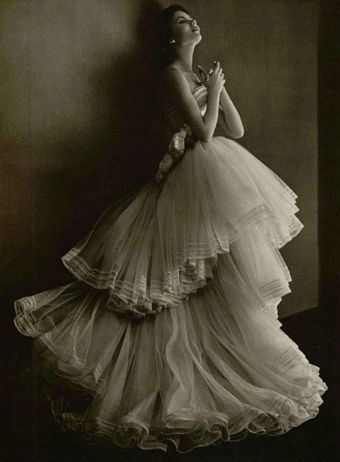Best 25 dior wedding dresses ideas on pinterest vintage for Pinterest wedding dress vintage
