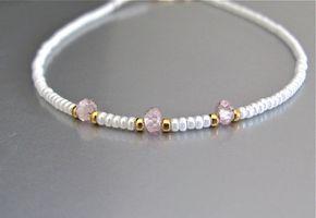 EN venta Circonita rosa cuentas blancas 24K oro por MissCecesJewels