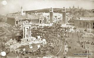 BARCELONA - 65 - Plaza España - Entrada a la Expo 1929 by ARCHIVO ZERKOWITZ - Regala recuerdos, via Flickr
