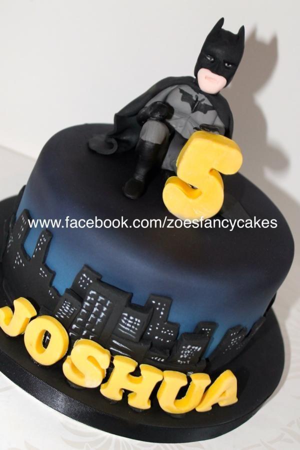 Batman - more at https://www.facebook.com/zoesfancycakes