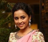 #APITConnect - Pencil Movie Heroine Sri Divya Photos http://bit.ly/1XlA5Bg