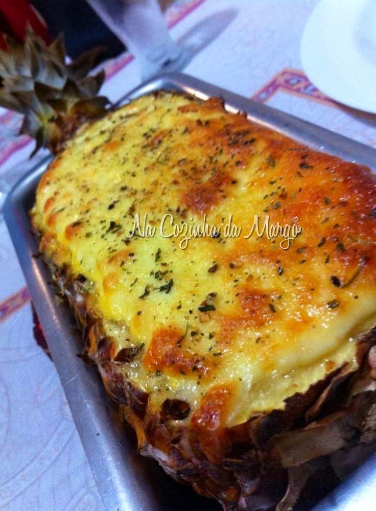 Na Cozinha da Margô: Camarão Gratinado no Abacaxi