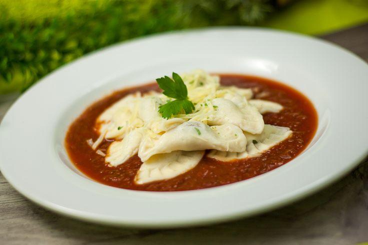 Endlich gibt es low carb Ravioli. Nicht aus Gemüse, Salat oder anderen Substanzen. Nein aus richtigem Teig. Zudem ist das Rezept auch noch glutenfrei.