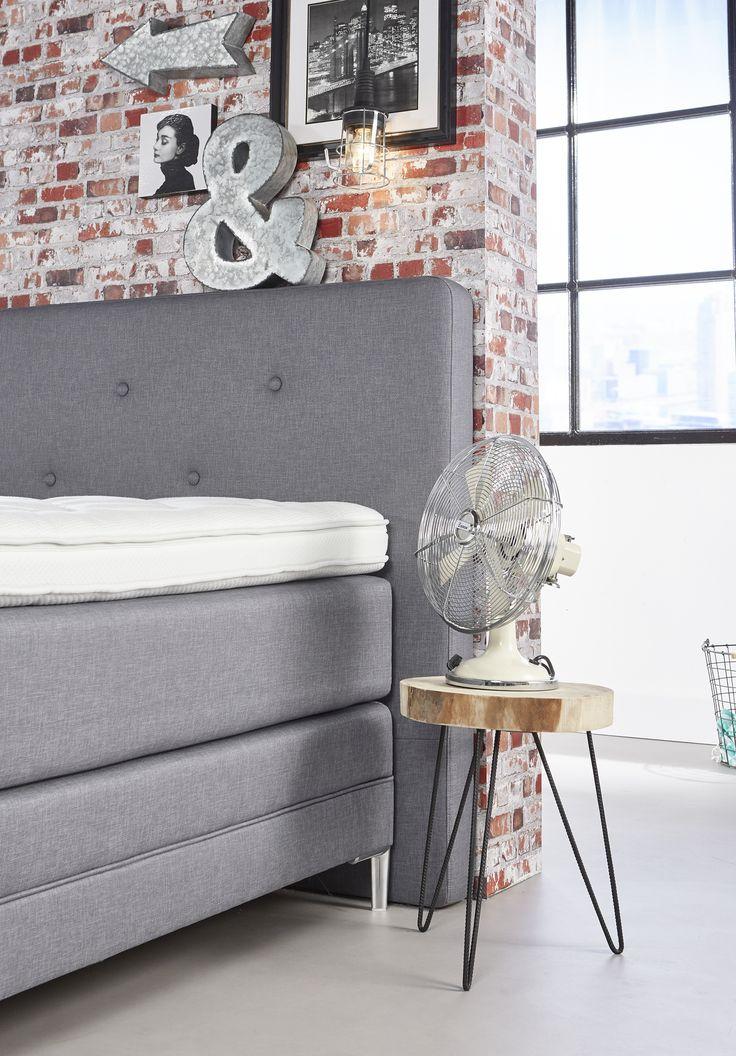 mooie boxsprings van winters slaapcomfort aangevuld met details maken de slaapkamer compleet