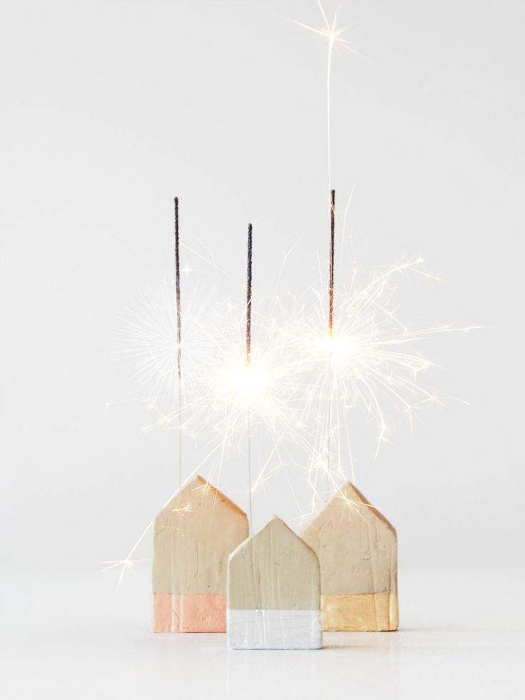 20 Fun & Glittery New Year's Crafts
