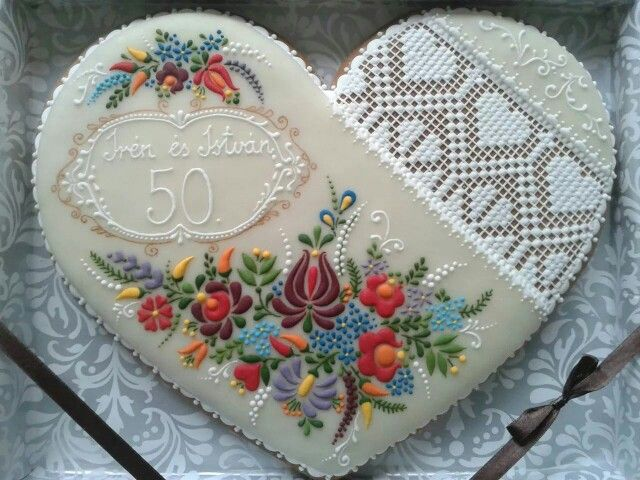 ... on Pinterest | Royal icing, Royal icing cakes and Cameo cake