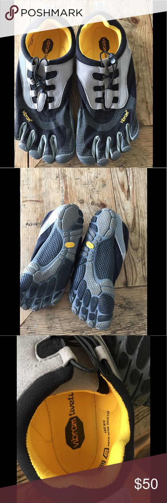 NWOT Vibram Five Finger Bikila Shoes NWOT vibram Five Finger shoes size eur 42 five fingers Shoes Sandals & Flip-Flops