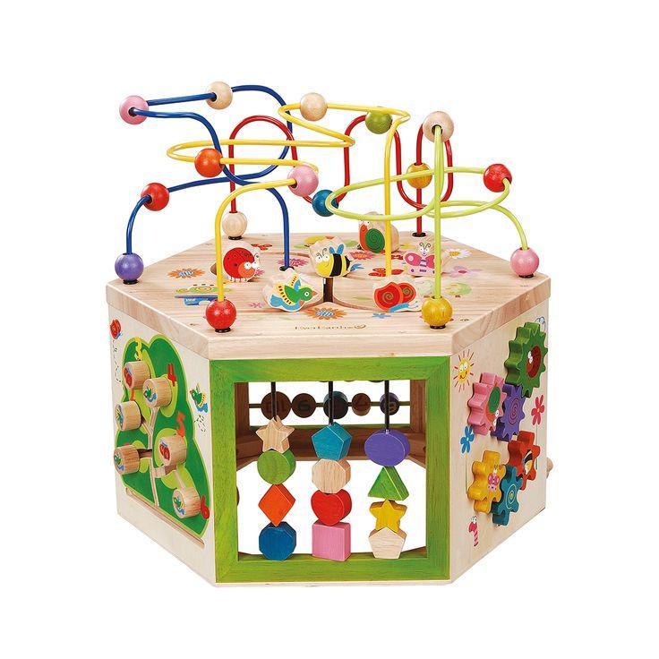 Gradina cu labirint este un centru de activitati 7 in 1 de tip Montessori, educativ si ecologic, fabricat din lemn.
