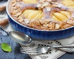 Clafoutis aux poires à la frangipane : http://www.cuisineaz.com/recettes/clafoutis-aux-poires-a-la-frangipane-85748.aspx