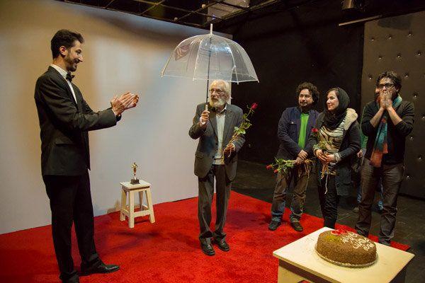 جَمشید مَشایخی (زاده ۱۳۱۳، تهران) بازیگر پیشکسوت سینما، تئاتر و تلویزیون ایران است.وی دارای نشان درجه یک فرهنگ و هنر است