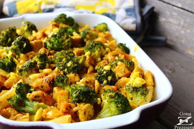 Super pyszna zapiekanka z kurczakiem i brokułami na bazie makaronu  to moja propozycja na smaczny i syty obiad! Całość polana jest pys...