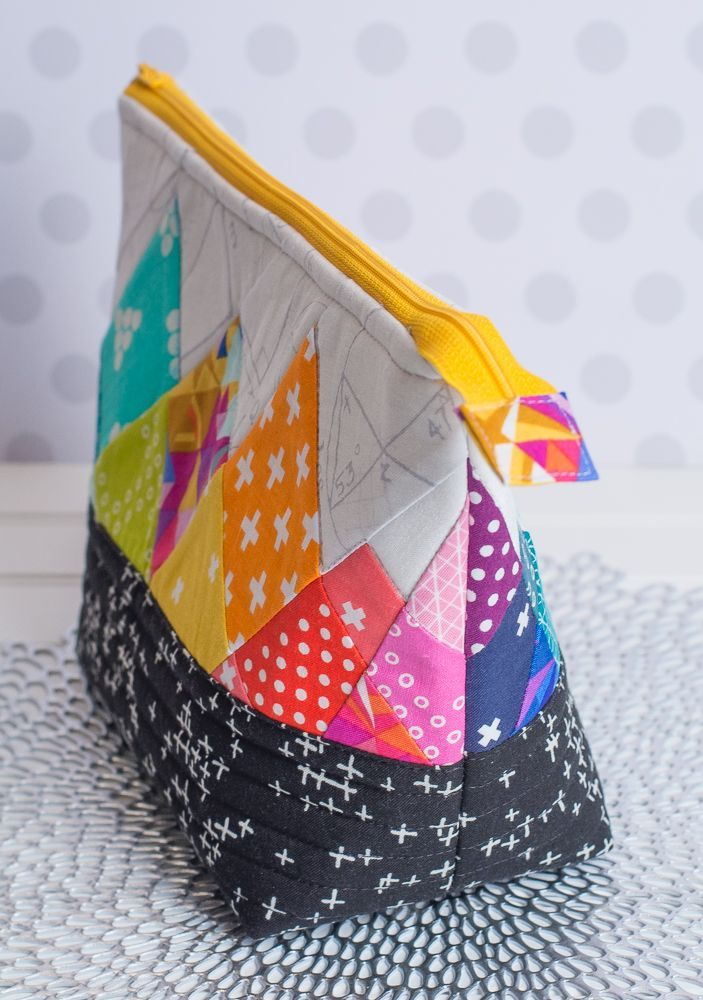 Rainbow Rays - Free Foundation Paper Pieced Quilt Block Pattern - zipper bag