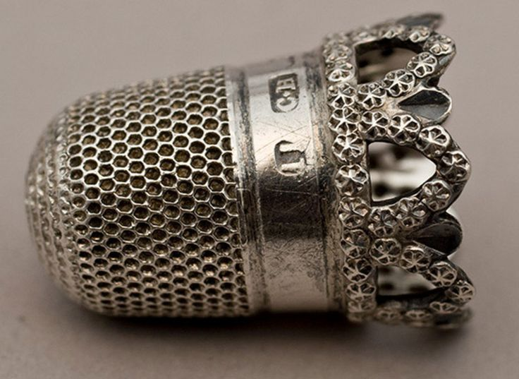 ~ Dated 1905 - Pretty Antique Silver Thimble ~