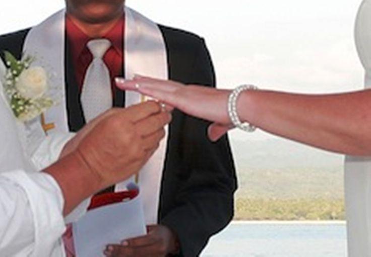 #ArtsOfWedding #LombokWeddingPlanner #BaliHOmeWedding #BaliHomeVilla #WeddingInKutaLombok #WeddingLombok #MuslimWedding #WeddingHairmakeUp http://lombokweddingplanner.com/