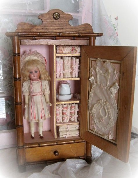 Fitted Wardrobe/Doll