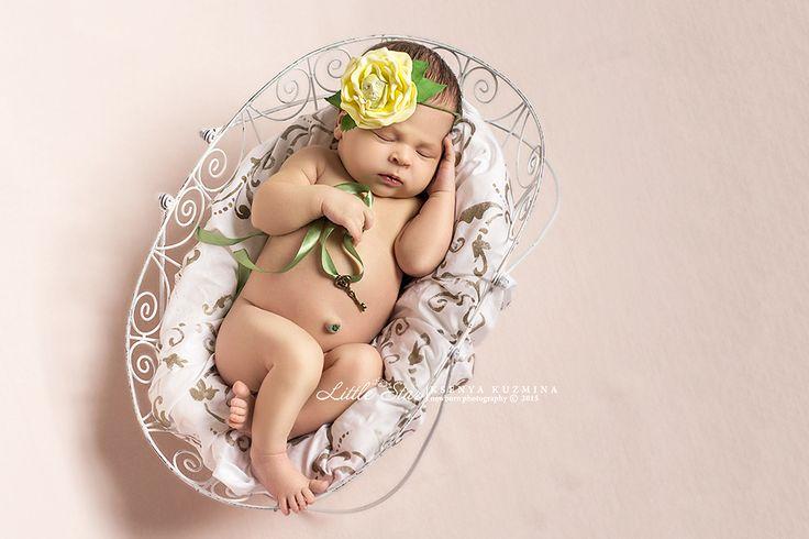Фотограф новорожденных Ксения Кузьмина Запись на фотосъемку в Иркутске +7 914 000 914 5 или в WhatsApp