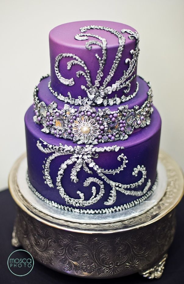 gorgeous purple wedding cake. I love all the sparkly and design!