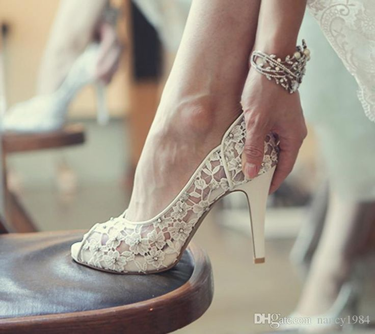 Bling Flowers Wedding Shoes Pretty Stunning Heeled Bridal Dress P Toe White Lace Crystal Hand Crafted Prom Pumps