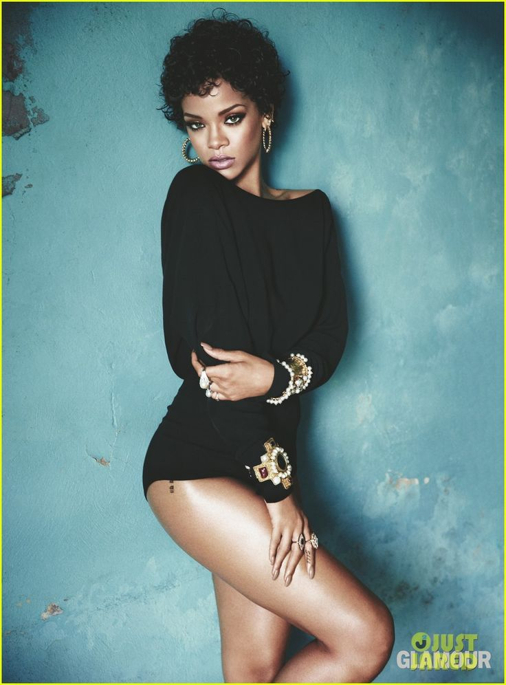 Rihanna's 'Glamour' November 2013 Inside Pictures!   rihanna cosmopolitan inside pics 01 - Photo