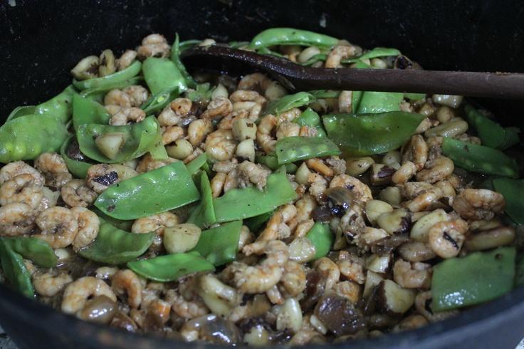 Shrimp with oyster sauce!  Camarão ao molho de ostras!