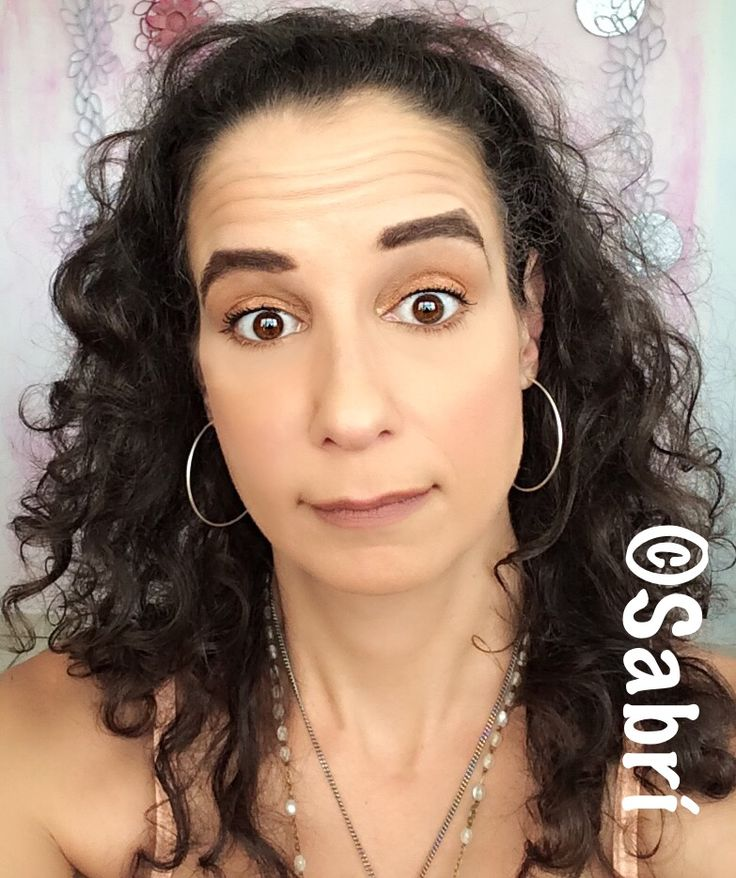 Being #lazy and doing more #lowkey #makeup! Liking the #oneshadow #look in #jordana #bronzeville. Featuring #wetnwildbeauty #fotofocusfoundation and #concealer, #blush, #highlighter and #contouringpalette. #Beauty #Belleza #Bellezza #Beauté #Beleza #Cosmetics #Cosméticos #Cosmetici #produitsdebeaute #Makeup #Maquillaje #maquillage #maquiagem #fabat40.