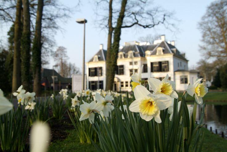 Het Landhuis in de lente
