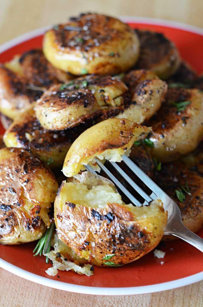 Crispy-Outside Creamy-Inside Garlic Herb Potatoes.  Quite possibly the BEST POTATOES / SIDE DISH EVER. | blog.hostthetoast.com